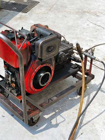 Hydro-jetting machine for high pressure drain cleaning